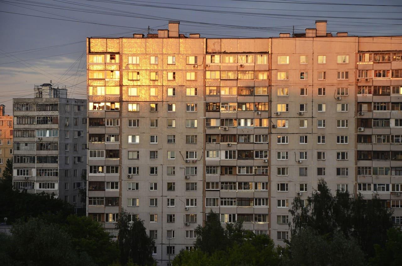 В России запретили посуточную аренду жилья в многоквартирных домах - фото 1