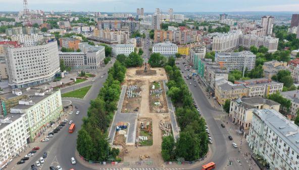 Ход работ по благоустройству сквера на площади Горького сняли с высоты птичьего полета
